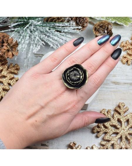 Duży pierścionek czarny kwiat