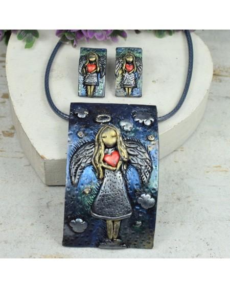 Anioł z sercem - kolczyki wkrętki i naszyjnik