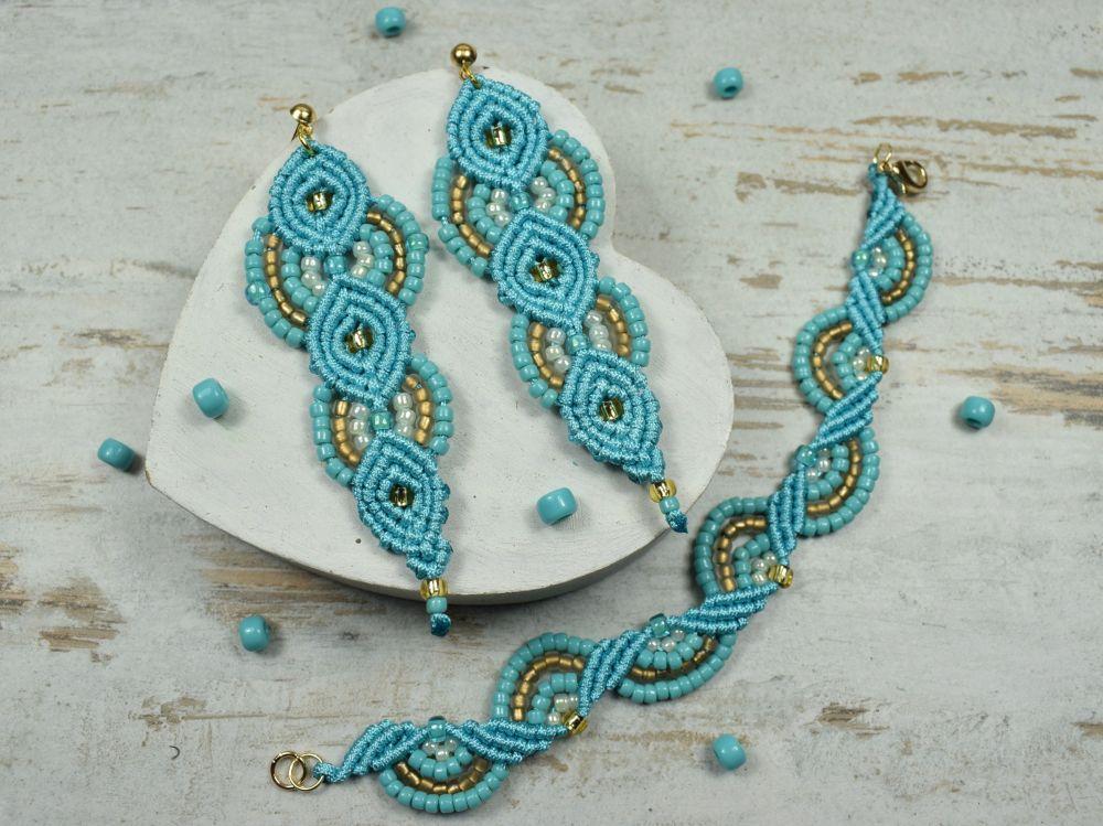 jasno turkusowa biżuteria, modna biżuteria z koralików idealna na wakacyjne szaleństwa